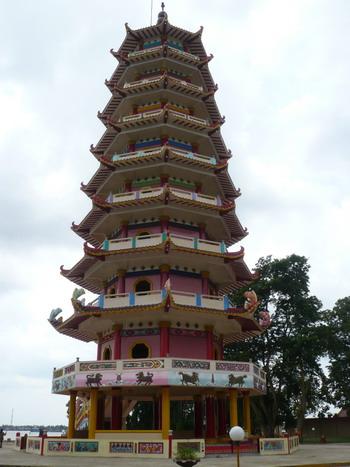 Pagoda tradisi Mahayana di Pulau Kemarau